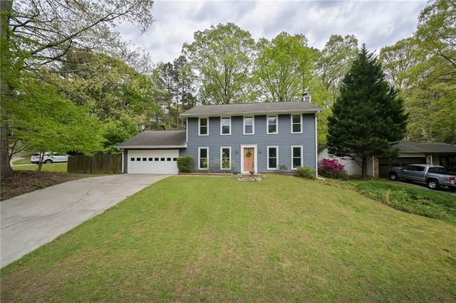205 Lakeland Court, Roswell, GA 30076 (MLS #6869241) :: North Atlanta Home Team