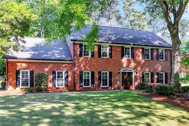 1126 Saint Andrews Circle, Dunwoody, GA 30338 (MLS #6873367) :: North Atlanta Home Team
