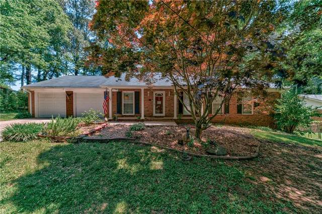 1073 Anthony Drive, Sugar Hill, GA 30518 (MLS #6878150) :: North Atlanta Home Team