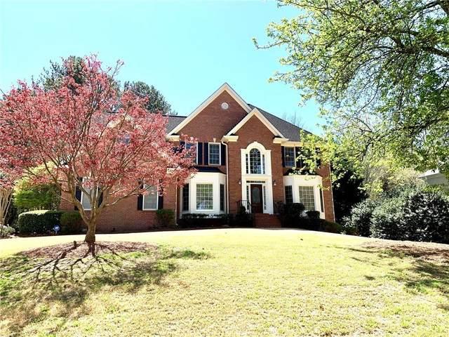 525 Abernathy Oaks, Alpharetta, GA 30004 (MLS #6885830) :: North Atlanta Home Team