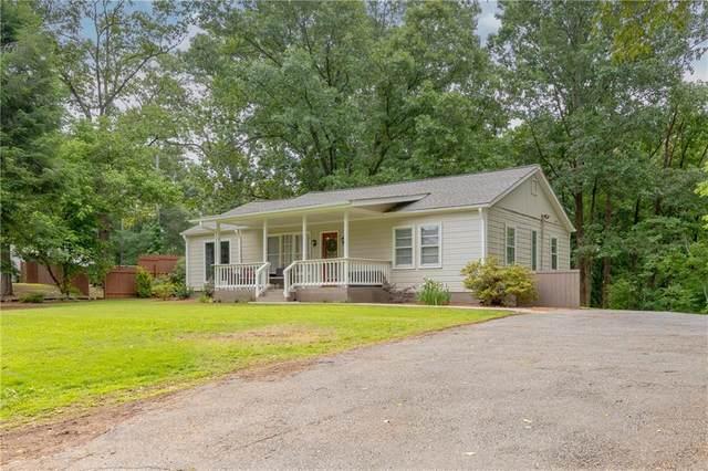 704 Sylvan Drive, Marietta, GA 30066 (MLS #6894611) :: The Hinsons - Mike Hinson & Harriet Hinson