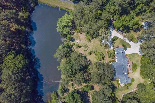 9350 Coleman Road, Roswell, GA 30075 (MLS #6902569) :: Charlie Ballard Real Estate