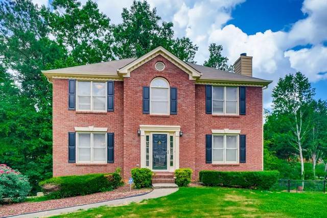 12 Wrenfield Lane SE, Smyrna, GA 30082 (MLS #6907311) :: North Atlanta Home Team