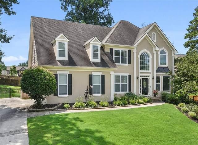 529 Emerald Lake Lane, Sugar Hill, GA 30518 (MLS #6912539) :: North Atlanta Home Team