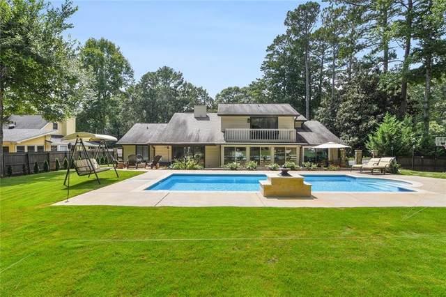 215 Summerfield Drive, Alpharetta, GA 30022 (MLS #6940309) :: North Atlanta Home Team