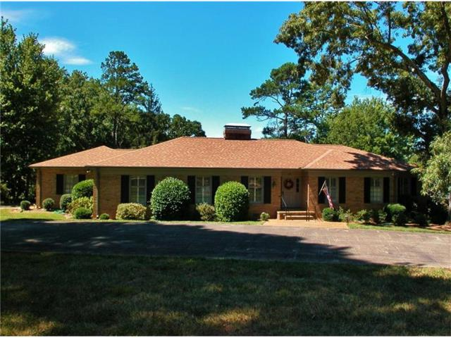 607 E Lake Drive, Gainesville, GA 30506 (MLS #5867213) :: The Bolt Group