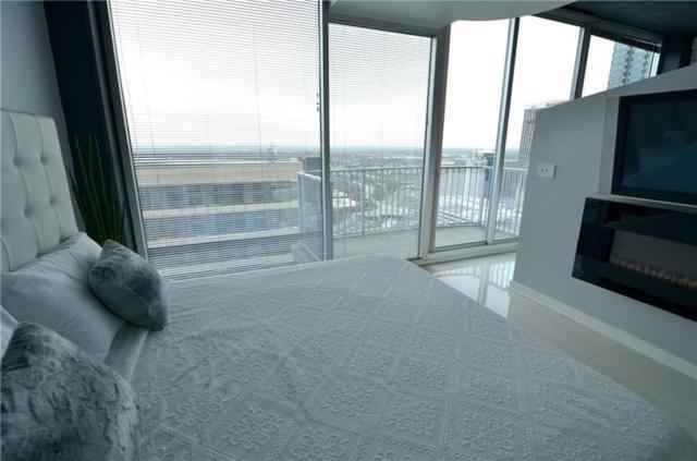 400 W Peachtree Street NW #3712, Atlanta, GA 30308 (MLS #6007436) :: RE/MAX Paramount Properties