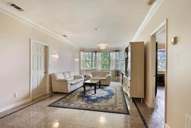 2499 Peachtree Road NE #402, Atlanta, GA 30305 (MLS #6811359) :: The Justin Landis Group
