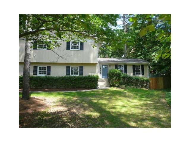 4695 N Peachtree Road, Dunwoody, GA 30338 (MLS #5821829) :: North Atlanta Home Team