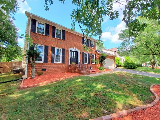 2875 Forest Highlands Drive, Marietta, GA 30062 (MLS #6768787) :: The Cowan Connection Team