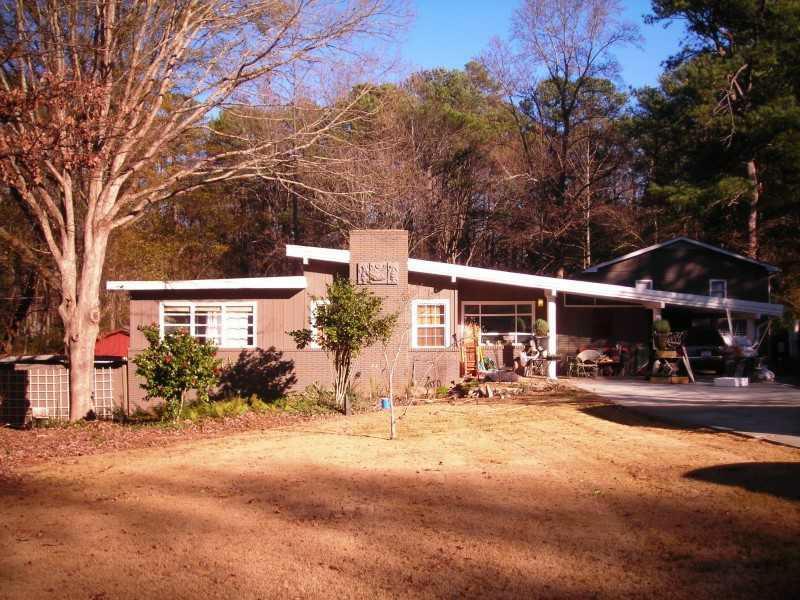 2489 Pine Lake Road, Tucker, GA 30084 (MLS #5093425) :: The Zac Team @ RE/MAX Metro Atlanta