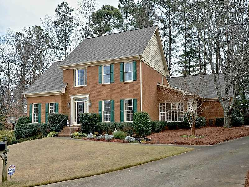 7405 Chestwick Court, Sandy Springs, GA 30350 (MLS #5096332) :: Dillard and Company Realty Group