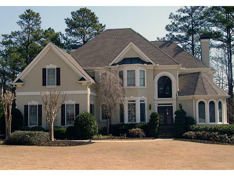 10375 High Falls Circle, Alpharetta, GA 30022 (MLS #5120157) :: North Atlanta Home Team