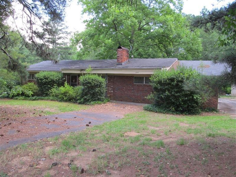 1250 Allgood Road, Marietta, GA 30062 (MLS #5558422) :: North Atlanta Home Team