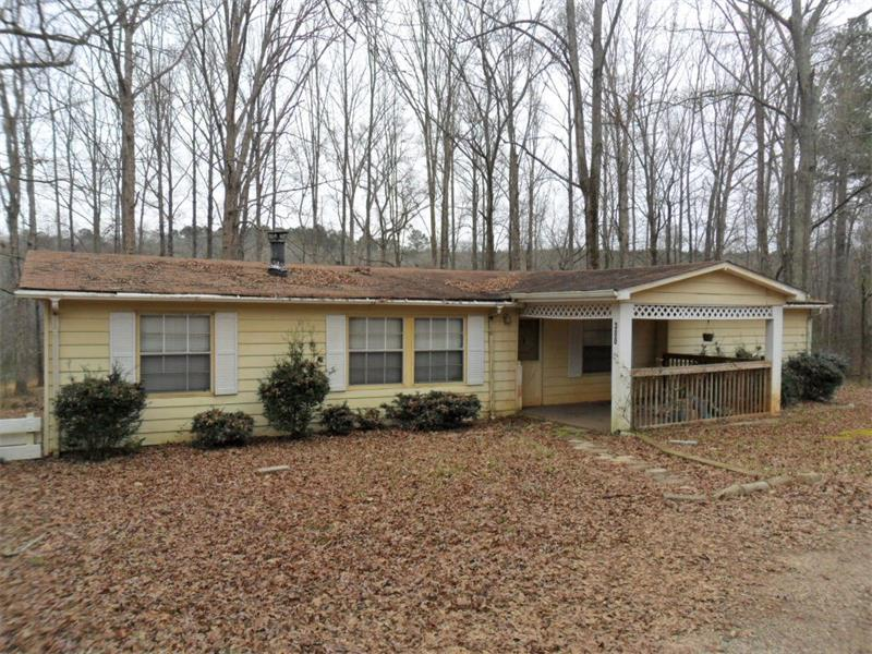300 Spring Valley Road, Griffin, GA 30223 (MLS #5640319) :: North Atlanta Home Team