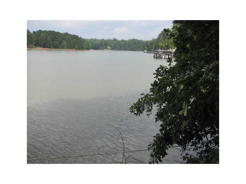 6360 Falcon Lane, Gainesville, GA 30506 (MLS #5659897) :: North Atlanta Home Team