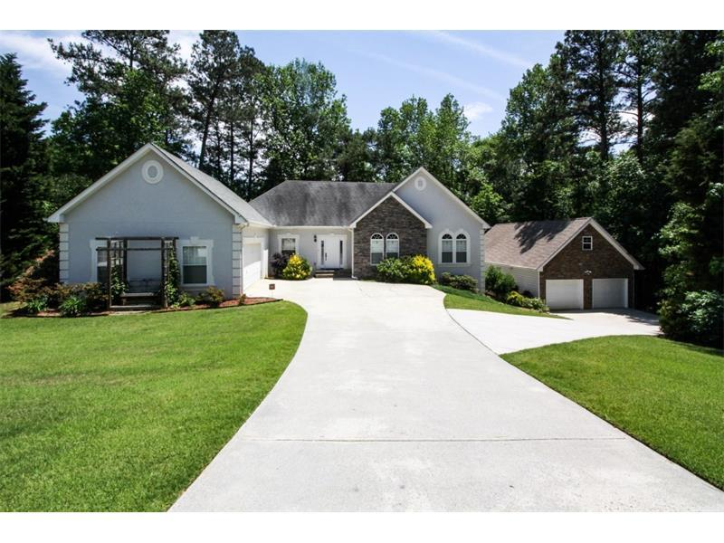 3054 Spring Court, Loganville, GA 30052 (MLS #5689352) :: North Atlanta Home Team