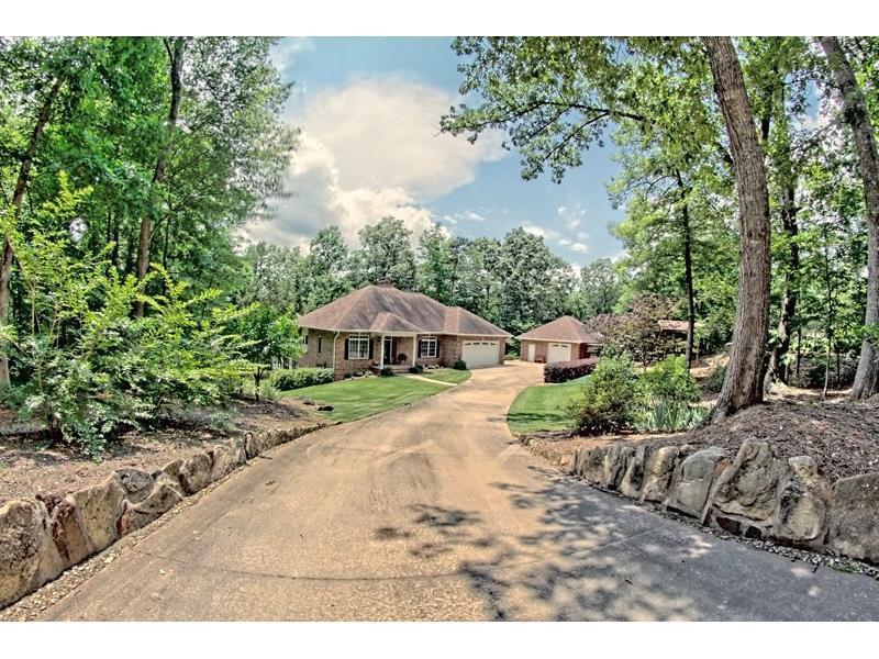 1414 Tugalo State Park Road, Lavonia, GA 30553 (MLS #5690726) :: North Atlanta Home Team