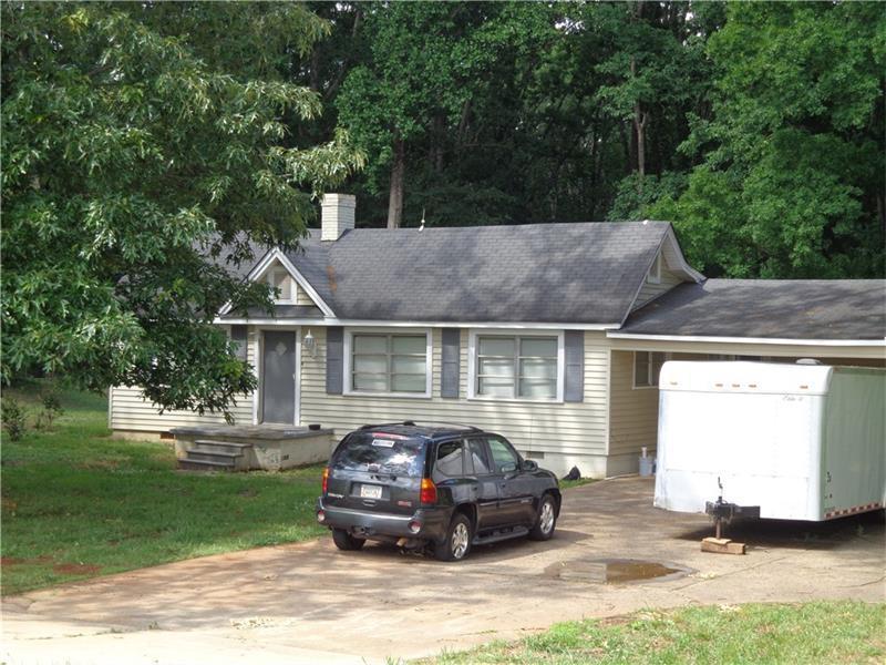 4525 Winder Highway, Flowery Branch, GA 30542 (MLS #5693890) :: North Atlanta Home Team