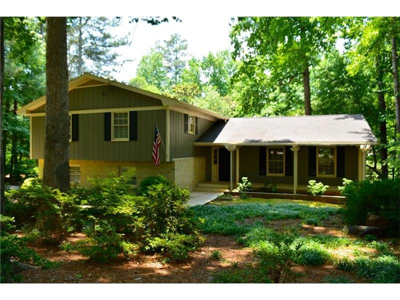 294 Dogwood Circle, Norcross, GA 30071 (MLS #5700254) :: North Atlanta Home Team