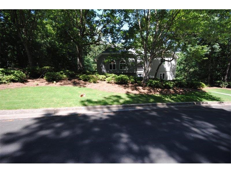 420 Watergate Way, Roswell, GA 30076 (MLS #5705750) :: North Atlanta Home Team