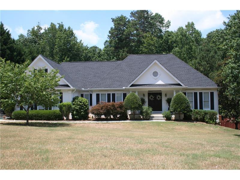 1145 Windridge Drive, Loganville, GA 30052 (MLS #5711344) :: North Atlanta Home Team