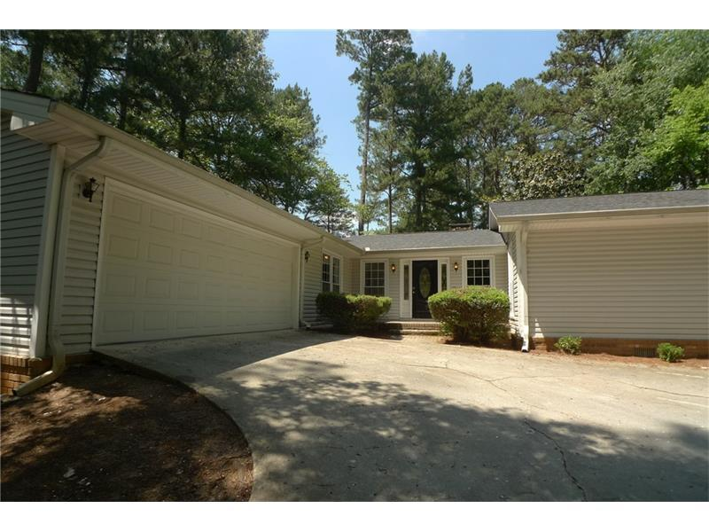 3736 Sandhill Drive SE, Conyers, GA 30094 (MLS #5716093) :: North Atlanta Home Team