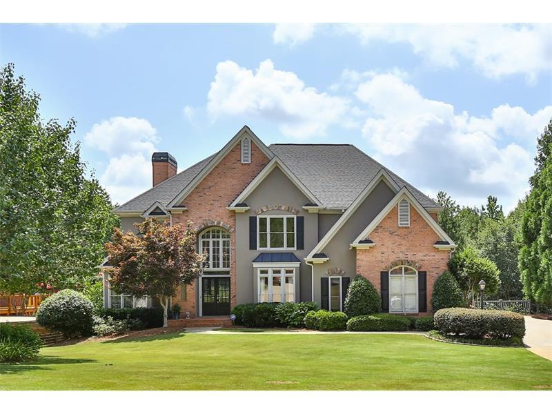 112 Riverview Drive, Suwanee, GA 30024 (MLS #5717942) :: North Atlanta Home Team
