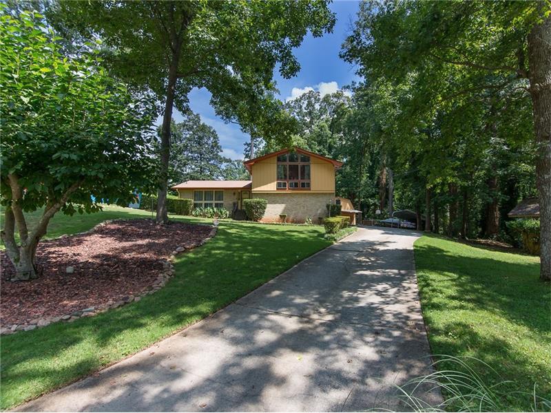 394 Shelton Woods Court, Stone Mountain, GA 30088 (MLS #5725527) :: North Atlanta Home Team