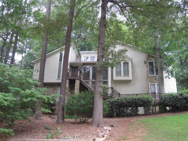 571 Farmbrook Trail NE, Kennesaw, GA 30144 (MLS #5725888) :: North Atlanta Home Team