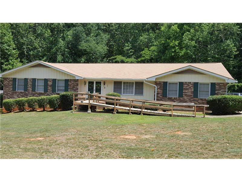 780 Pinehurst Drive, Fairburn, GA 30213 (MLS #5726330) :: North Atlanta Home Team
