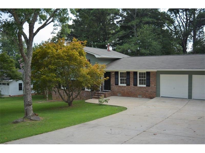491 Foxfire Drive SW, Smyrna, GA 30082 (MLS #5726362) :: North Atlanta Home Team