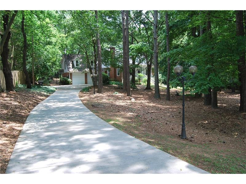 2972 Albion Farm Road, Duluth, GA 30097 (MLS #5728039) :: North Atlanta Home Team