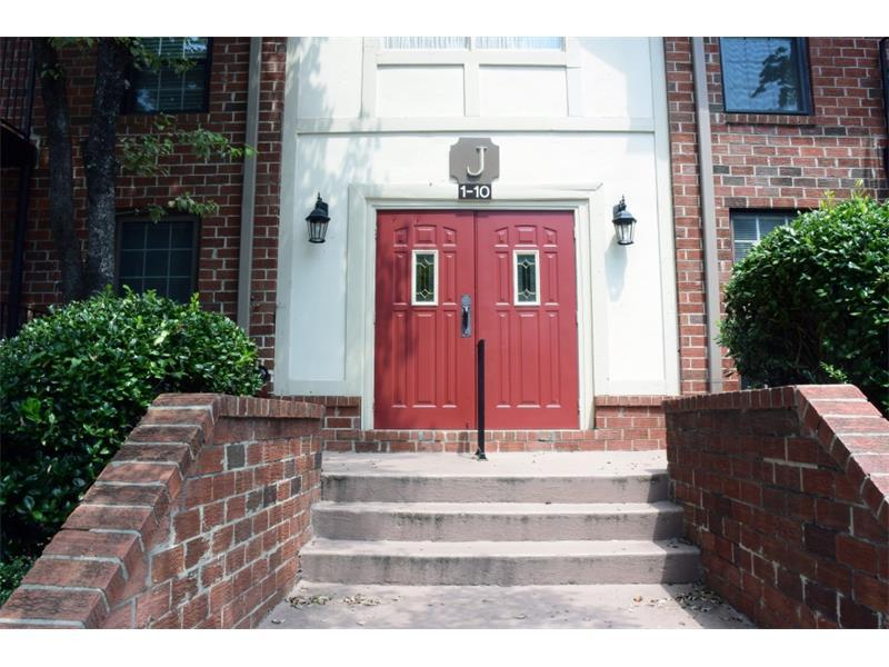 6851 Roswell Road J5, Sandy Springs, GA 30328 (MLS #5728303) :: North Atlanta Home Team