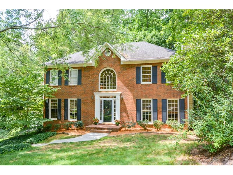 4295 Rocky Glen NE, Roswell, GA 30075 (MLS #5728885) :: North Atlanta Home Team
