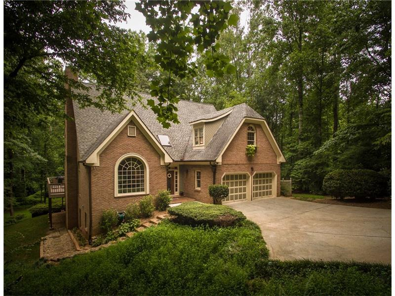 40 Connemara Road, Roswell, GA 30075 (MLS #5731228) :: North Atlanta Home Team