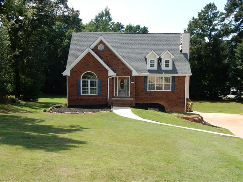 2135 Clayburn Drive, Cumming, GA 30040 (MLS #5733060) :: North Atlanta Home Team