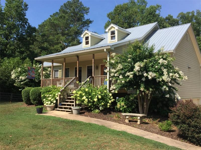 16165 Hopewell Road, Alpharetta, GA 30004 (MLS #5733430) :: North Atlanta Home Team