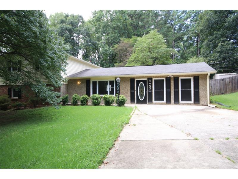 2933 E Howell Drive, Lawrenceville, GA 30044 (MLS #5733649) :: North Atlanta Home Team