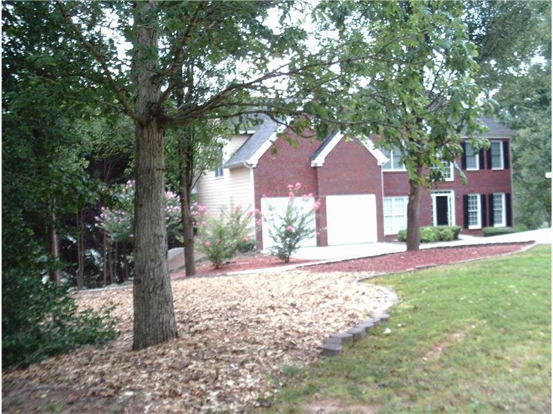 1155 Easy Street, Suwanee, GA 30024 (MLS #5738632) :: North Atlanta Home Team