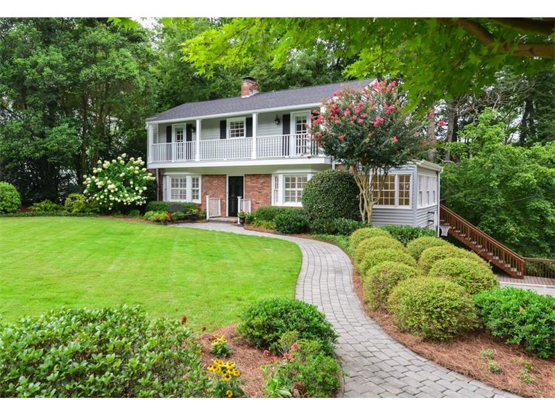 2872 Castlewood Drive NW, Atlanta, GA 30327 (MLS #5738739) :: North Atlanta Home Team