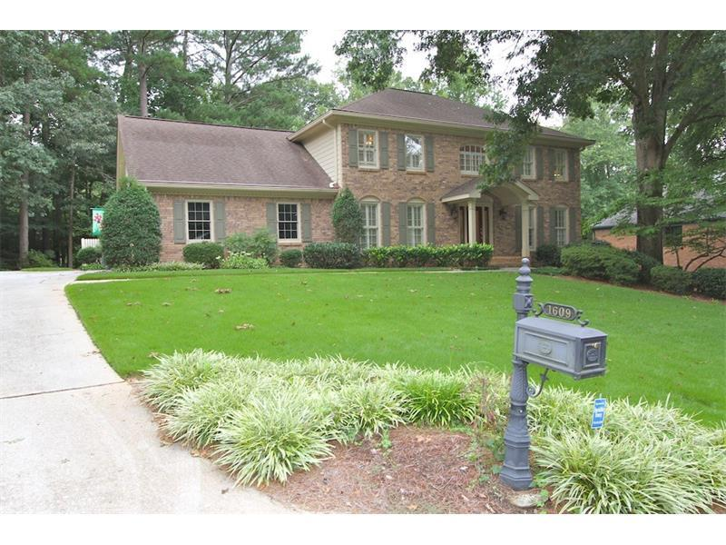 1609 Durrett Way, Dunwoody, GA 30338 (MLS #5738976) :: North Atlanta Home Team