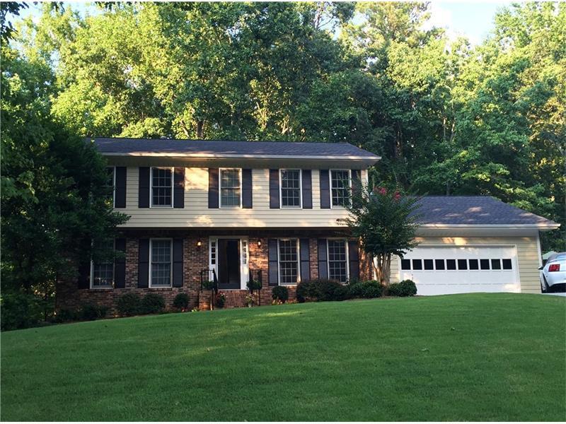 4985 Hidden Branches Circle, Dunwoody, GA 30338 (MLS #5739912) :: North Atlanta Home Team