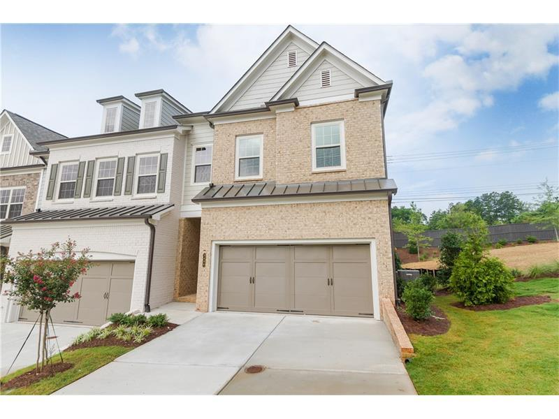1017 Milhaven Drive, Roswell, GA 30076 (MLS #5740360) :: North Atlanta Home Team