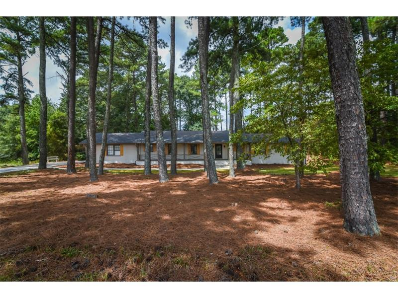 591 W Johns Road, Lilburn, GA 30047 (MLS #5740865) :: North Atlanta Home Team