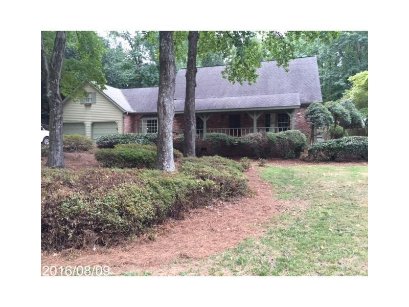 125 Foxridge Road, Sandy Springs, GA 30327 (MLS #5741428) :: North Atlanta Home Team