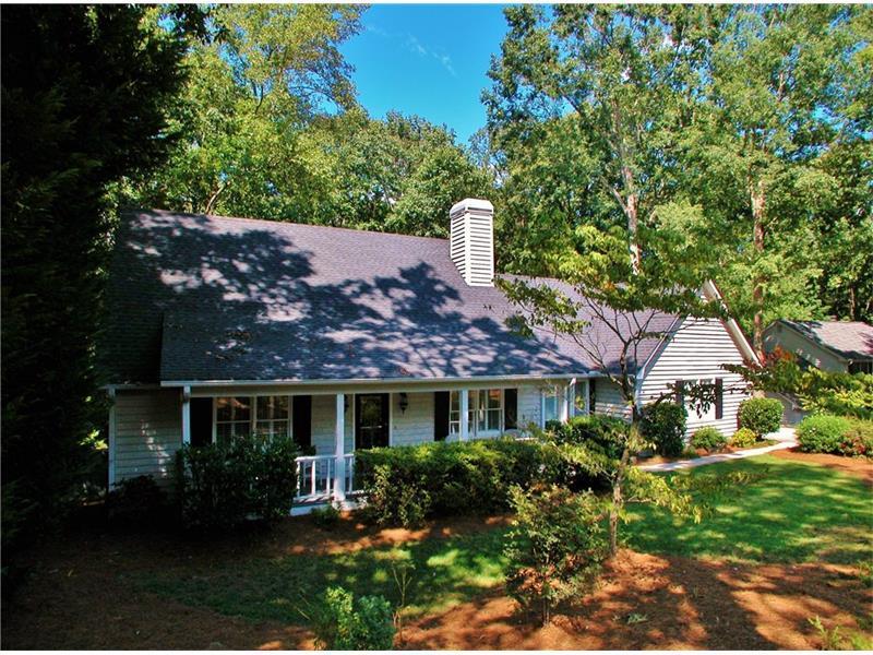 3725 Cherokee Ford, Gainesville, GA 30506 (MLS #5742401) :: North Atlanta Home Team