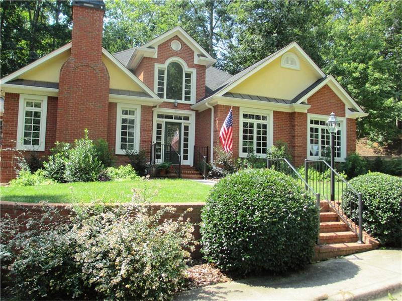 3338 Arbor Walk Drive, Gainesville, GA 30506 (MLS #5743640) :: North Atlanta Home Team