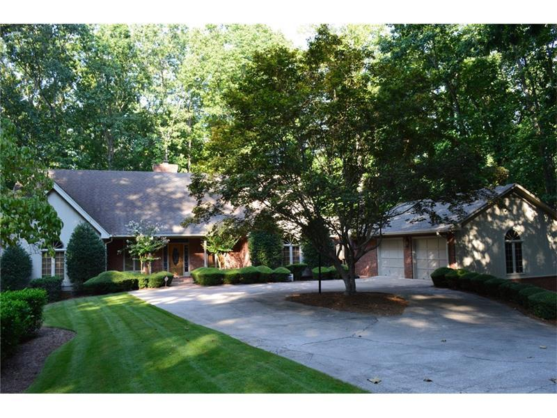 4243 Cherokee Trail, Gainesville, GA 30504 (MLS #5743737) :: North Atlanta Home Team