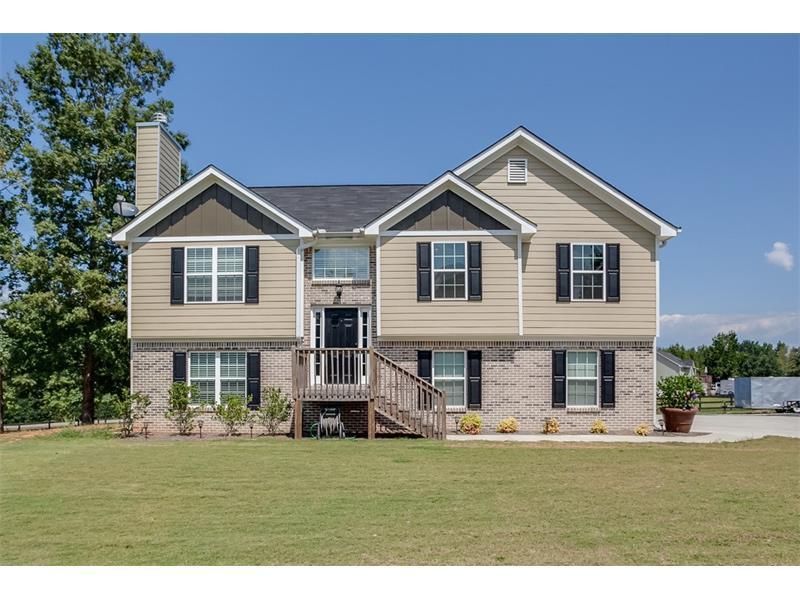 6942 Capitola Farm Road, Flowery Branch, GA 30542 (MLS #5744484) :: North Atlanta Home Team